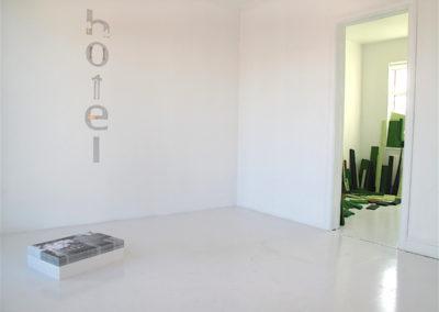 Hotel – Upp úr haganum / From the Fields